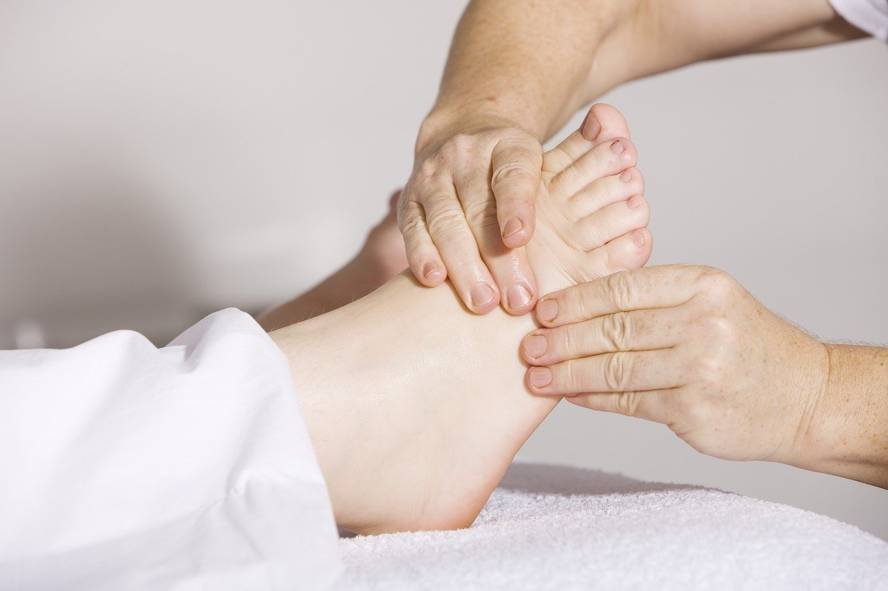 Read to Know Whether CBD Oil Can Help Your Foot Pain?